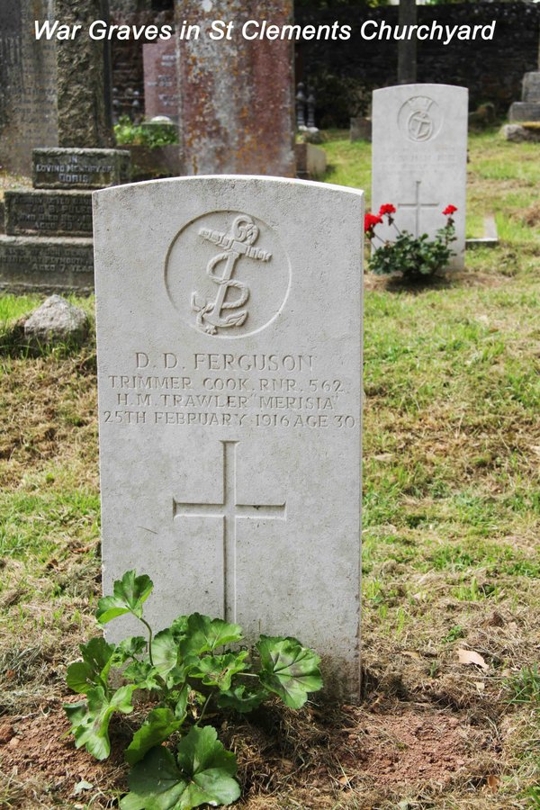 War Graves in St Clements Churchyard.jpg