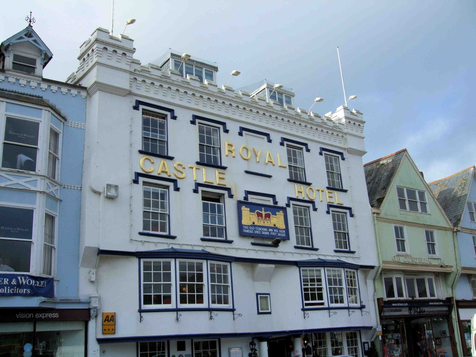 dartmouth devon people history houses for sale