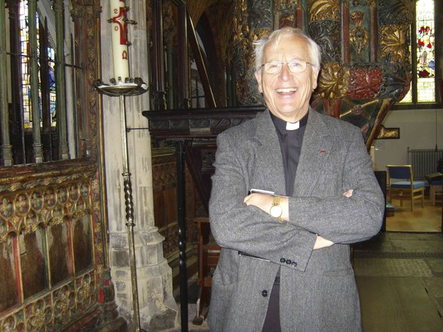 Rev Simon Wright in St Saviours