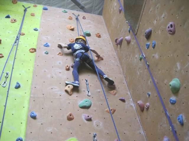 Rock Climbing at DartRock 1