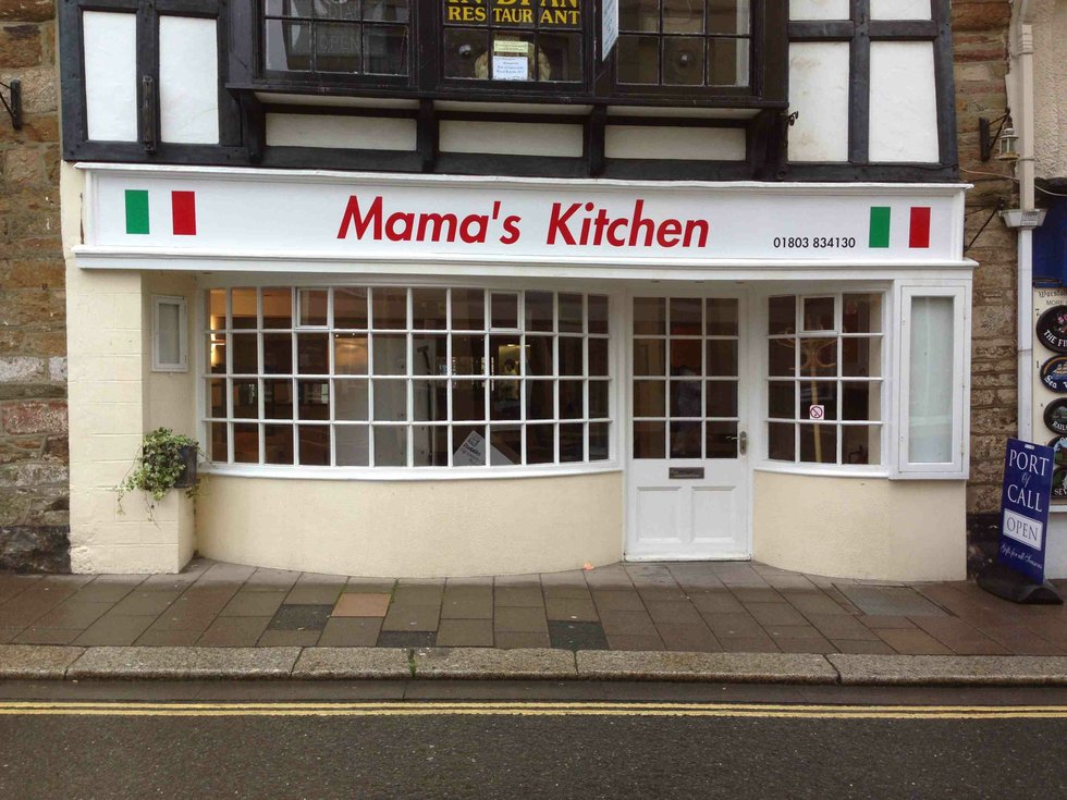 Mama 39 s kitchen italian dining in dartmouth by the dart for Mama s italian kitchen