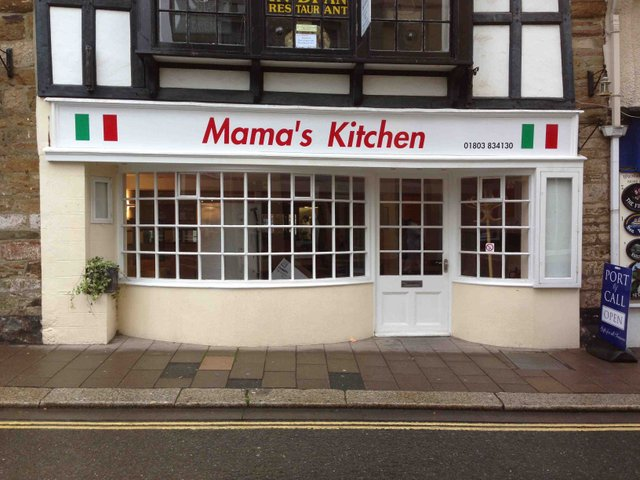 Mama's Kitchen, Fairfax Place Dartmouth