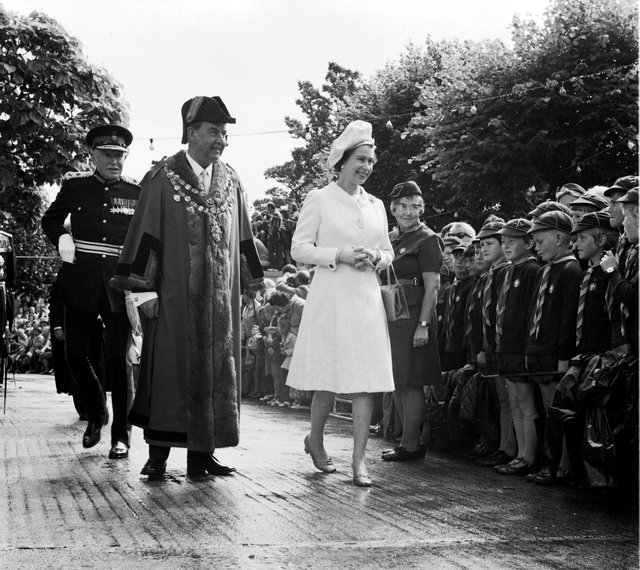 The Queen Visits to Dartmouth