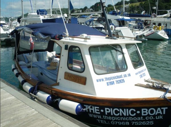 The Picnic Boat, Dartmouth