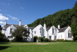 Bradley Manor