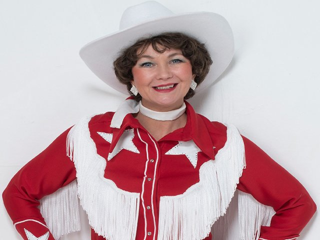 sue lowry as patsy cline (9x7).jpg