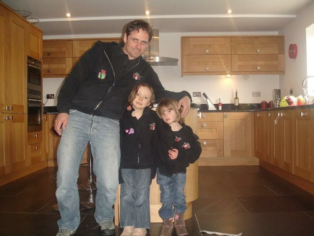 Damon Hunt with daughters