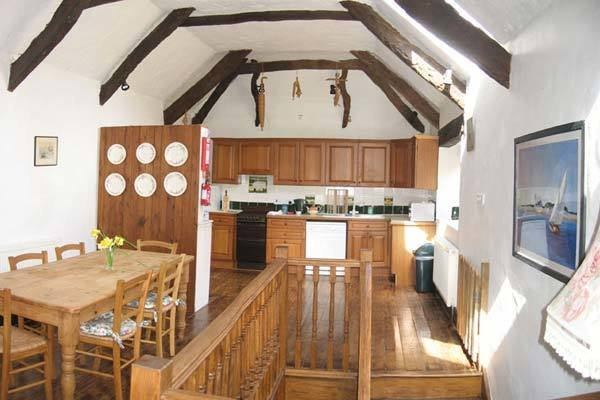 the_stables_kitchen_and_dining_area.jpg